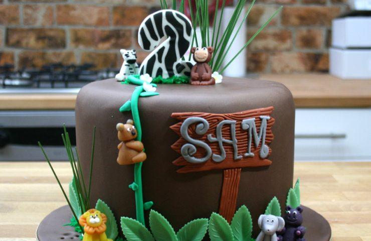 jungle theme cake